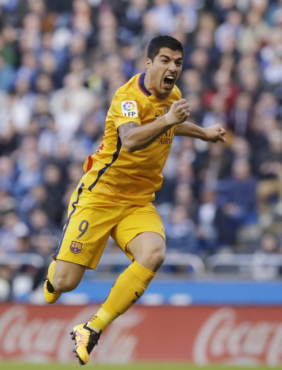 Luis Suarez ghi 4 bàn và kiến tạo hai cơ hội cho Messi, Neymar