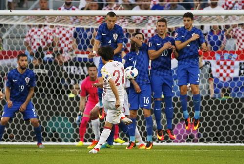 David Silva thi đấu đầy sáng tạo nhưng Tây Ban Nha vẫn thua