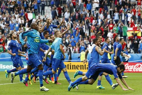 Tuyển Ý vui mừng như thể đã giành được chức vô địch