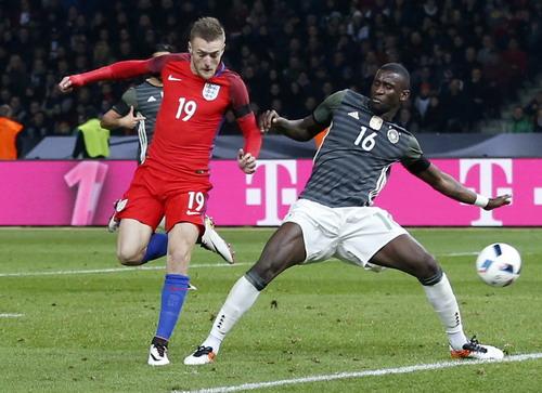 Vardy có bàn thắng đầu tiên cho tuyển Anh