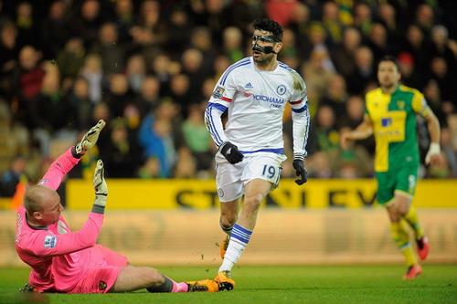 Bàn thắng của Diego Costa gây tranh cãi vì việt vị