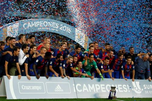 Barcelona có danh hiệu đầu mùa