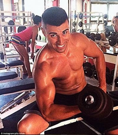 Anh rời Úc để đầu quân cho thể thao quê hương Tonga