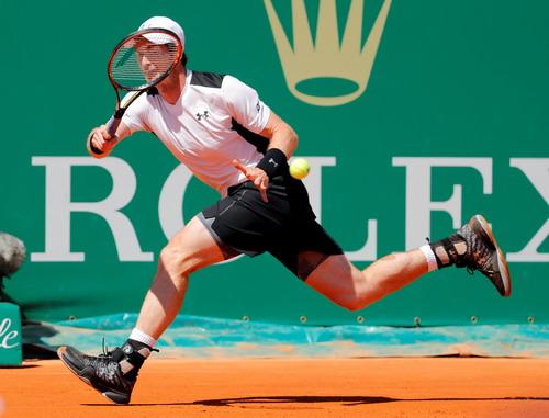 Andy Murray thắng chật vật trận ra quân