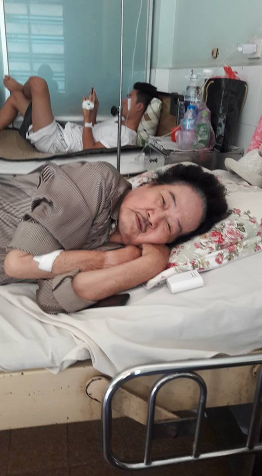 Nghệ sĩ Tòng Sơn sau khi ra phòng cấp cứu