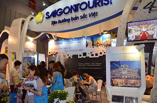 Hoạt động giao dịch tại gian hàng Saigontourist trong sự kiện ITE HCMC 2015