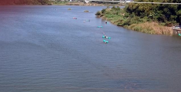 Đoạn sông Dinh nơi các em bị đuối nước nhiều chỗ khá sâu