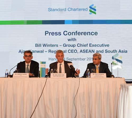 Ngân hàng Standard Chartered khẳng định cam kết mạnh mẽ
