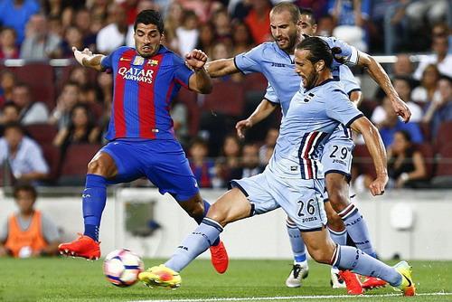 Luis Suarez ghi bàn mở tỉ số phút 16