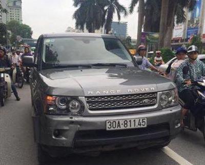 Chiếc xe Range Rover trong vụ tai nạn - Ảnh: Otofun