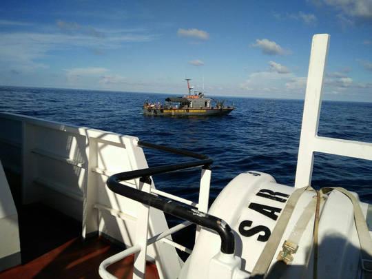 Tàu của Trung tâm phối hợp tìm kiếm cứu hạn Hàng hải Việt Nam tham gia tìm kiếm thành viên phi hành đoàn của máy bay CASA-212 tại Bạch Long Vĩ