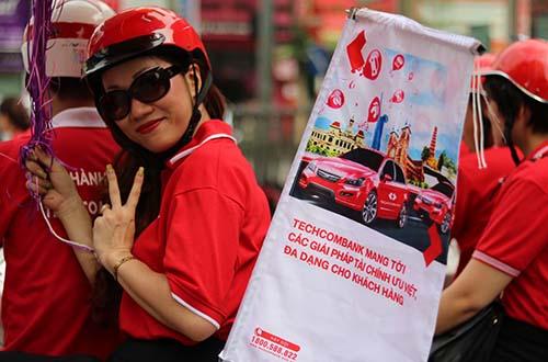 """Với """"Hành trình xuyên Việt"""" đầu tiên trong ngành tài chính, Techcombank đã thu hút sự quan tâm, chú ý của đông đảo công chúng cả nước"""