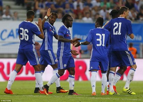 Chelsea thắng 2 trận với 11 bàn thắng