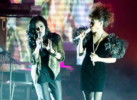 Thanh Lam - Hà Trần không chỉ ăn ý với nhau trong âm nhạc mà cả trong cuộc sống. Tuy nhiên nhạc sĩ Thanh Phương quyết định dìm cả bốn người để tôn vinh cá tính âm nhạc của nhau