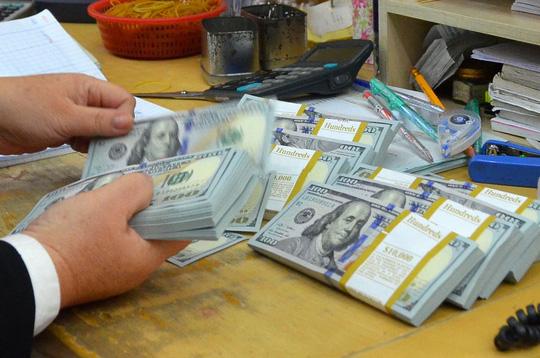 NHNN yêu cầu các ngân hàng thương mại thực hiện nghiêm chỉ đạo về lãi suất huy động USD