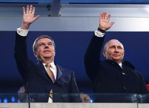 Thắng lợi có ý nghĩa chính trị với chính quyền của Tổng thống Putin (phải)