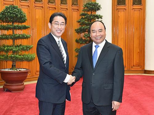 Thủ tướng Nguyễn Xuân Phúc khẳng định sẽ tham gia Hội nghị G7 mở rộng theo lời mời của Thủ tướng Shinzo Abe - Ảnh: VGP