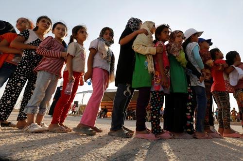 Số trẻ em tị nạn đi một mình ngày càng tăng lên Ảnh: REUTERS