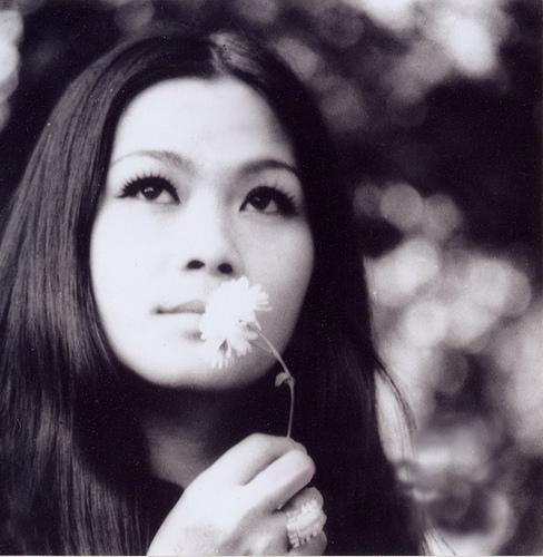 Khánh Ly thời trẻ