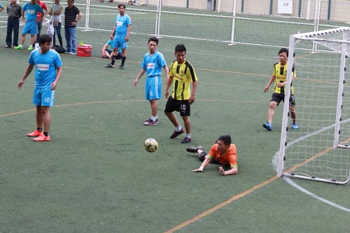 Trận bán kết bóng đá nam giữa 2 đội Cảng Bến Nghé và Công ty Mitaco