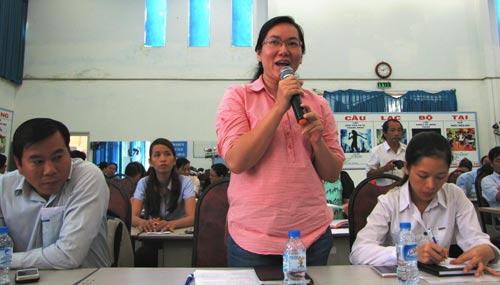 Các đại biểu trao đổi kinh nghiệm tại buổi tọa đàm