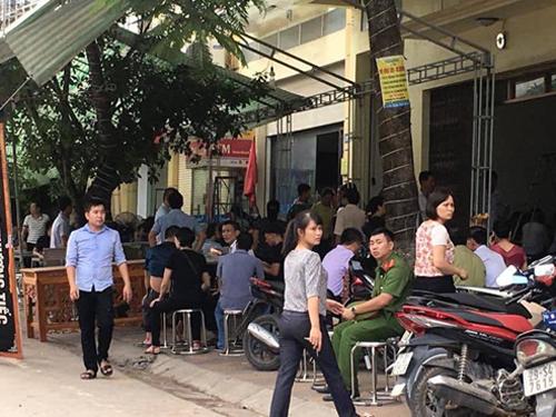 Gia đình và lực lượng chức năng tiến hành tổ chức tang lễ tại nhà ông Phạm Duy Cường, Bí thư Tỉnh ủy Yên Bái