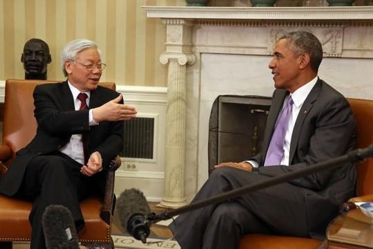 Tổng Bí thư Nguyễn Phú Trọng và Tổng thống Barack Obama tại Phòng Bầu dục của Nhà Trắng vào tháng 7-2015