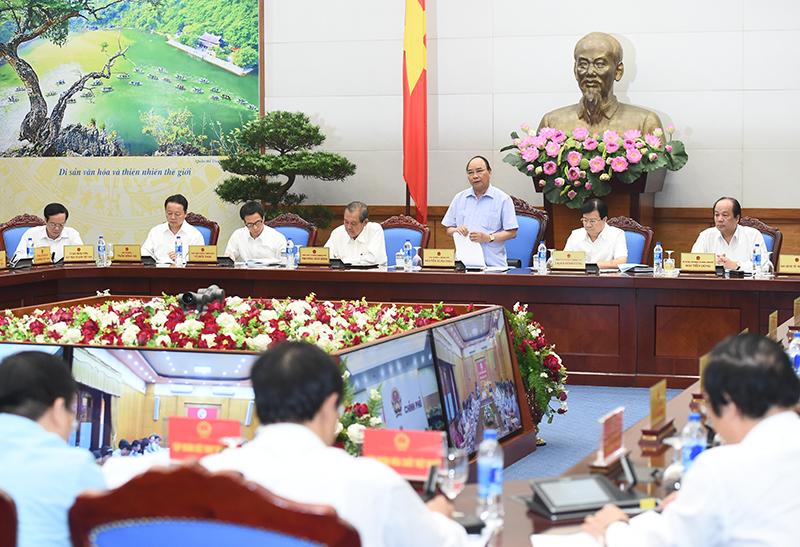 Thủ tướng Nguyễn Xuân Phúc chủ trì phiên họp - Ảnh: Quang Hiếu