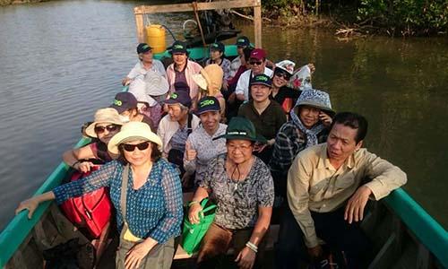 Du khách BenThanh Tourist tại U Minh Hạ