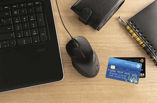 Chỉ một lần đăng ký, khách hàng không lo cắt dịch vụ do thanh toán trễ hạn Ảnh: TRẦN NGỌC