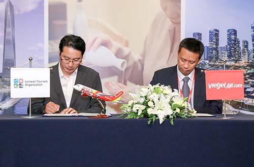 Đại diện Vietjet và Tổng cục Du lịch Incheon - ITO (Hàn Quốc) ký kết hợp tác