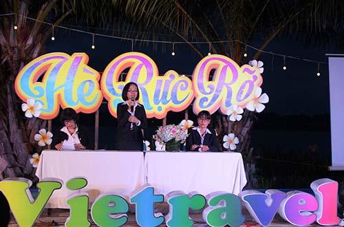 """Buổi họp báo công bố chương trình khuyến mãi """"Hè rực rỡ 2016"""" của Vietravel"""