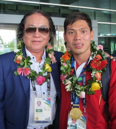 Võ Thanh Tùng và HLV Đổng Quốc Cường