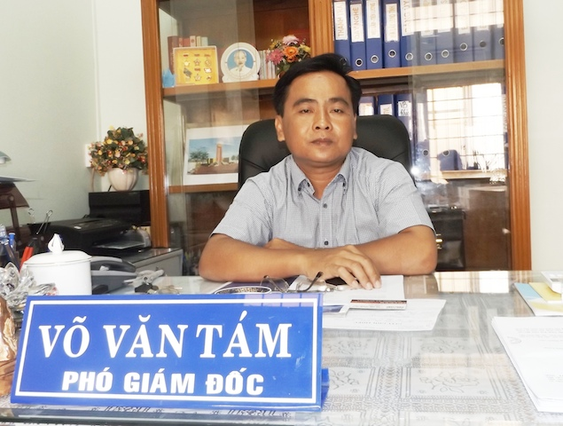 Ông Võ Văn Tám yêu cầu người dân nào bị ép mua đĩa như báo chí phản ánh thì đến trình báo cơ quan chức năng. Ảnh: Lê Khánh