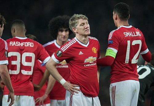 Schweinsteiger thất vọng khi MU thua Liverpool ở Europa League