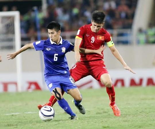 Việt Nam có thể gặp Thái Lan ngay vòng bảng AFF Cup 2016. Trong ảnh: Công Vinh (phải) trận Việt Nam thua Thái Lan ở vòng loại thứ 3 World Cup 2018