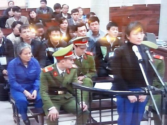 Bị cáo Phạm Thị Bích Lương trong vụ xét xử đại án làm thất thoát gần 2.500 tỉ đồng tại Ngân hàng Nông nghiệp và Phát triển nông thôn (Agribank) Chi nhánh Nam Hà Nội được xét xử cuối năm 2015