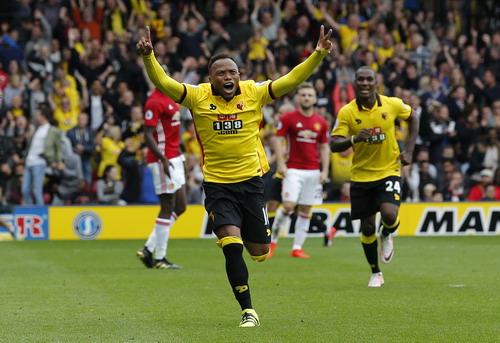 Zuniga vào sân, góp công vào hai bàn thắng của Watford