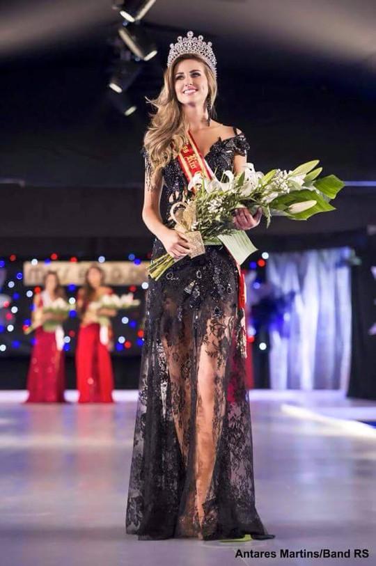 Ngắm nhan sắc Tân Hoa hậu Hoàn vũ Brazil