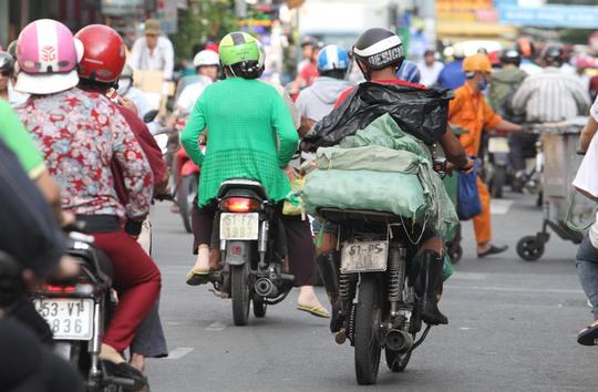 """Những """"siêu xe cà tàng"""" gây náo loạn Sài Gòn"""