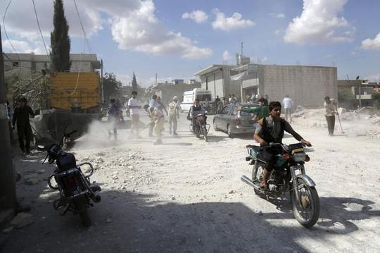Máy bay Nga không kích thị trấn Kafranbel gần tỉnh Idlib - Syria hôm 10-10. Ảnh: Reuters