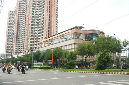 Khu cao ốc Thuận Kiều Plaza đồ sộ ở khu Chợ Lớn nhưng đang trong tình trạng ế ẩm nhiều năm qua