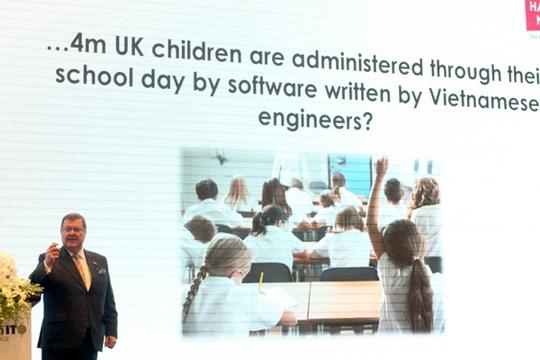 4 triệu học sinh Vương quốc Anh đang được quản lý trong suốt giờ học tại trường bằng một phần mềm được viết bởi người Việt, ông Paul Smith – Chủ tịch Harvey Nash phát biểu.