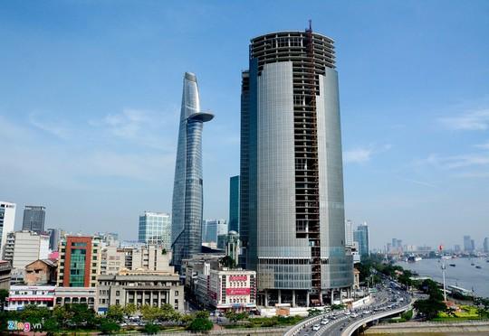 Toà nhà Saigon One Tower (tên cũ là Saigon M&C Tower) cao 42 tầng, toạ lạc ở vị trí đắc địa của trung tâm TP HCM.