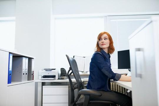 """Khi ngồi một chỗ quá lâu, các cơ xương chậu sẽ bị co lại khiến bạn khó """"lên đỉnh"""""""