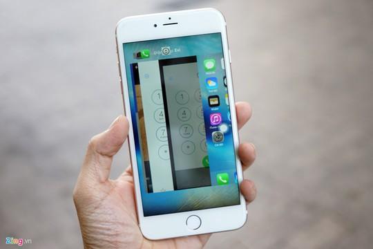 Cách quản lý các ứng dụng đang chạy đồng thời giống hệt iPhone.