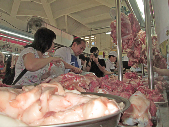 Lo sợ chất cấm trong heo siêu nạc, người tiêu dùng chọn mua thịt heo có nhiều mỡ