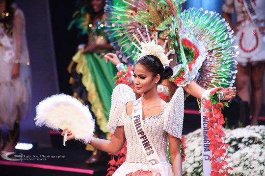 Mỹ nhân Philippines đăng quang Hoa hậu Toàn cầu 2015
