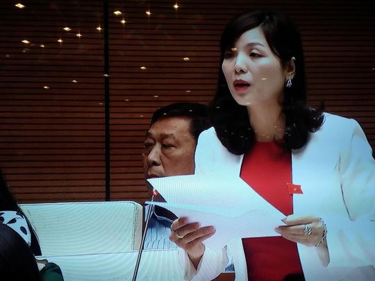 ĐB Trịnh Thị Ngọc Phương (Bắc Kạn) phát biểu - Ảnh chụp qua màn hình