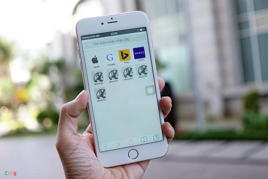 Trình duyệt mặc định của máy cũng đã có giao diện giống với Safari.